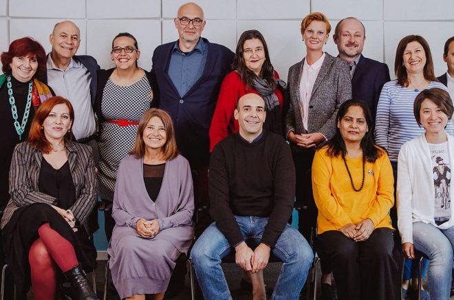 Gruppbild på bokmässechefer från 15 länder i nätverket Fereiros gästade Göteborg före midsommar för att utbyta erfarenheter. Foto: Natalie Greppi.