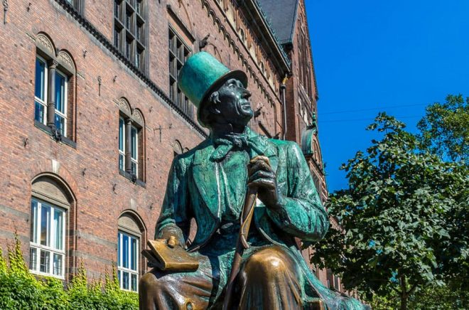 Hans Christian Andersen (1805-1875) anade knappast att digitala böcker skulle utgöra en femtedel av den danska bokmarknaden 2017. Foto: Fotolia.