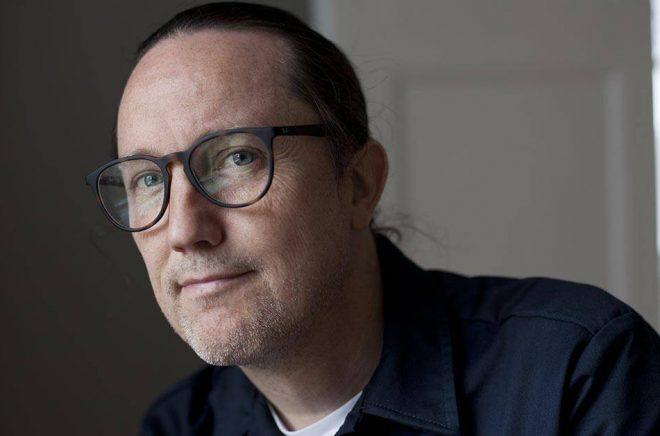 Författaren och översättaren Jesper Högström får Samfundet De Nios översättarpris Foto: Sofia Runarsdotter.