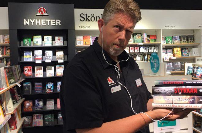Johan Zillén, butikschef för Akademibokhandeln på Center Syd i Löddeköpinge. Foto: Privat