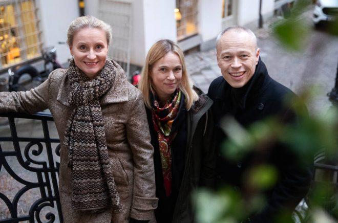 Karin Linge Nordh, Sara Lindegren och Anders Sjöqvist är redo för att etablera Strawberry Publishing på den svenska marknaden. Foto: Nils Petter Nilsson