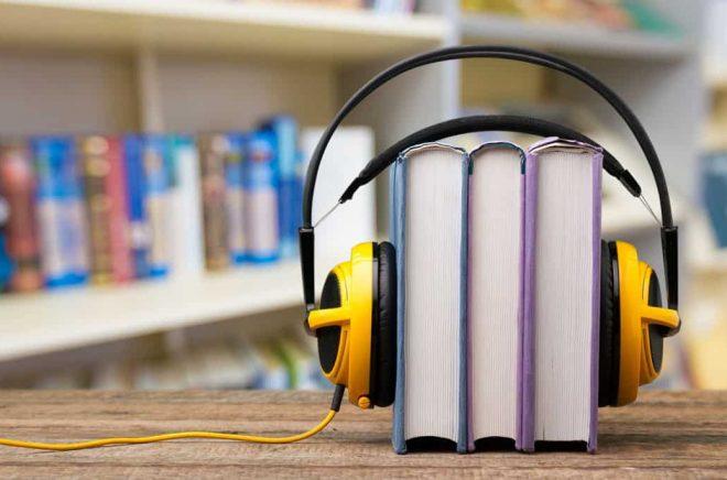 Ljudbok vs pappersbok. Foto: Fotolia.