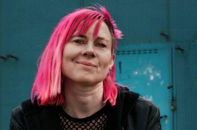 Louise Halvardsson, författare och poet. Foto: Ulrika Mohlin