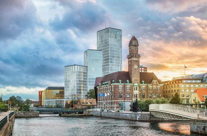 LL-förlaget flyttar till Malmö från Stockholm, efter ett regeringsbeslut. Men ingen i personalen vill flytta med. Foto: iStock.