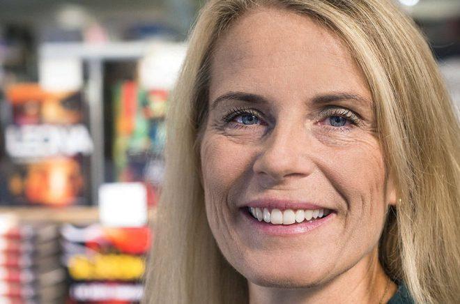 Maria Edsman, tillträdde som vd för Akademibokhandeln den 14 april 2018 och efterträdde då Maria Hamrefors.