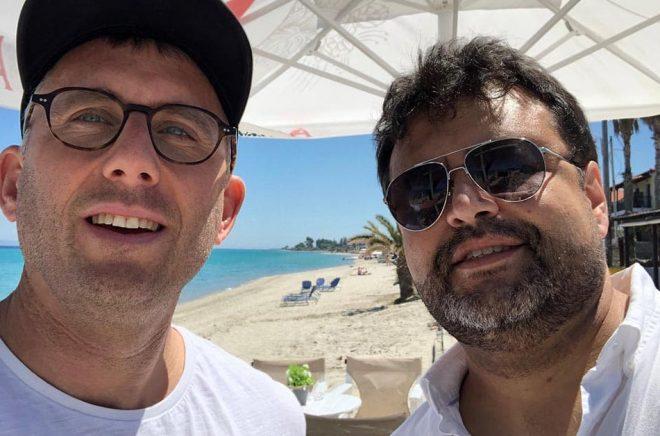 Mattias Lundgren, grundare WAPI är nöjd med nyrekryteringen Carlo Carrenho, grundare av PublishNews, som ska hjälpa Word Audio i bland annat Ryssland, Spanien och Sydamerika. Foto: Selfie.