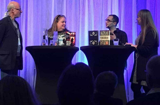 Författaren Ray Celestin på scen tillsammans med danska deckarförfattaren Lone Theils under Deckarfestivalen i Sundsvall.