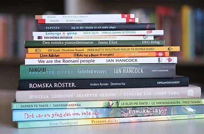 Att utse romska läsambassader är ett sätt att uppmuntra folkbiblioteken att se över sin verksamhet kring minoriteten romer och nationella minoriteter. Foto: Kulturrådet.