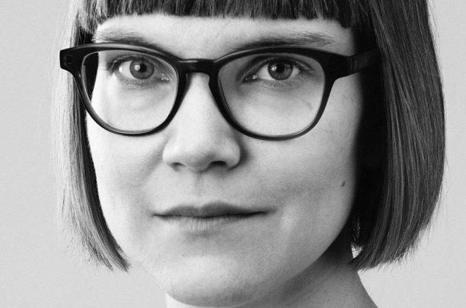 Författaren Sara Bergmark Elfgren. Foto: Gabriel Liljevall.