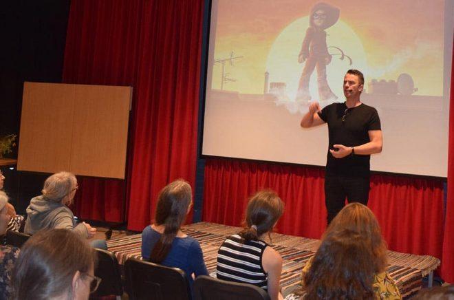 Vid SmåBUS 2018 talade bland annat Elias Våhlund, på Astrid Lindgrens Näs, om Handbok för Superhjältar som sedan dess blivit en global succé. Foto: Joke Guns.