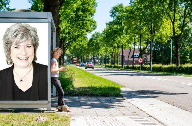 Ann-Marie Skarp på Piratförlaget längtar efter att få ha medarbetarna på samma plats igen. Foto: Pressbild. Bakgrundsfoto: iStock. Montage: Boktugg.