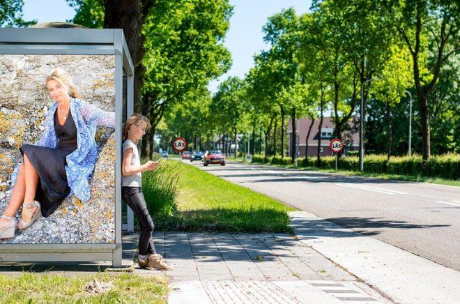 Marika Stolpe, VD och  förläggare på Bokförlaget Stolpe. Foto: Savva Ernst Günther. Bakgrundsfoto: iStock. Montage: Boktugg.