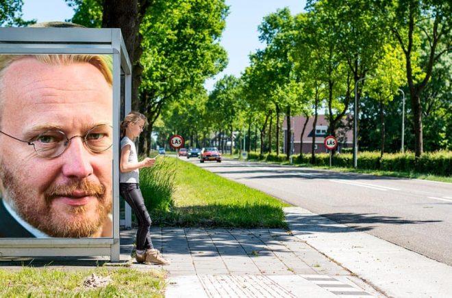 Pelle Andersson, förläggare (och förlagschef) på Ordfront Förlag. Foto: Jan-Åke Eriksson. Bakgrundsfoto: iStock. Montage: Boktugg.