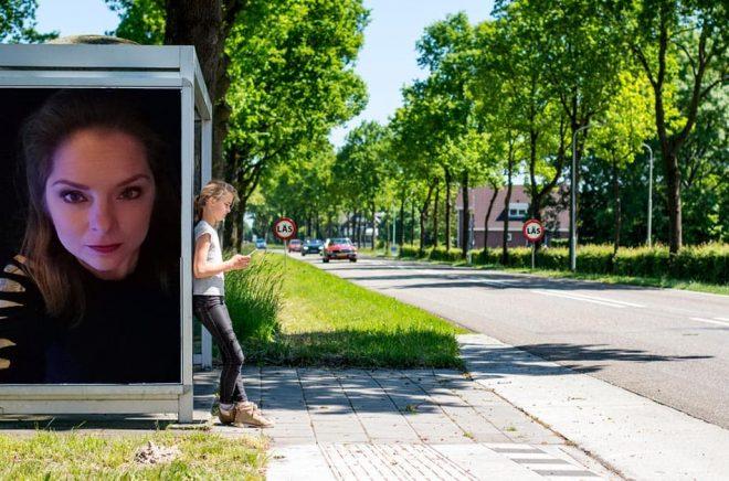 Sofie Poulsen på Darkness Publishing. Foto: Pressbild. Bakgrundsfoto: iStock. Montage: Boktugg.
