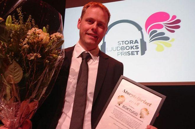 Boktuggs chefredaktör Sölve Dahlgren fick ta emot Storytelpriset.