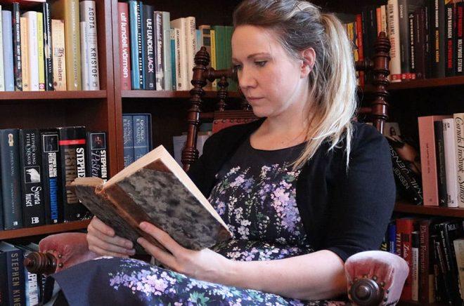 Susanne Trydal saknar bokläsningen i sitt liv och tar nu tag i saken. Foto: Privat
