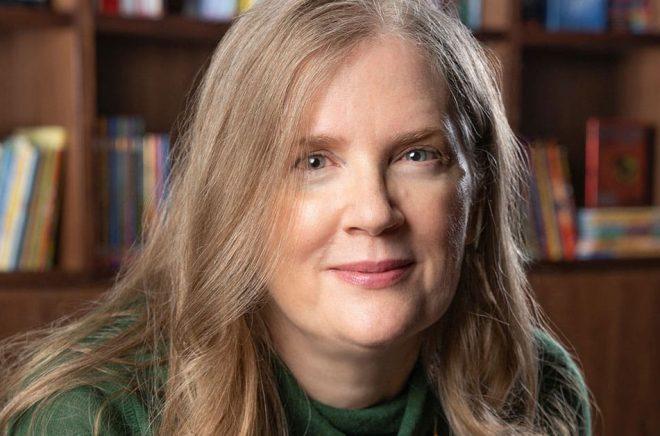 Suzanne Collins nya bok blev den mest sålda i USA första halvåret - i alla fall när man räknar pappersböcker. Pressbild: Todd Pitt.