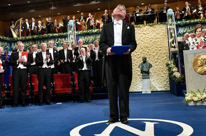 Senast Nobelpriset i litteratur delades ut var i december 2017, till Kazuo Ishiguro. Blir det någon prisutdelning i år? Arkivbild: Jonas Ekströmer/TT.