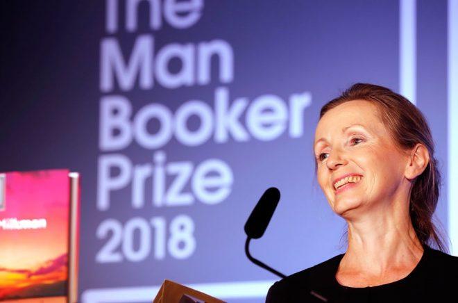 Den nordirländska författaren Anna Burns fick Bookerpriset 2018. Arkivfoto: Frank Augstein/AP/TT.