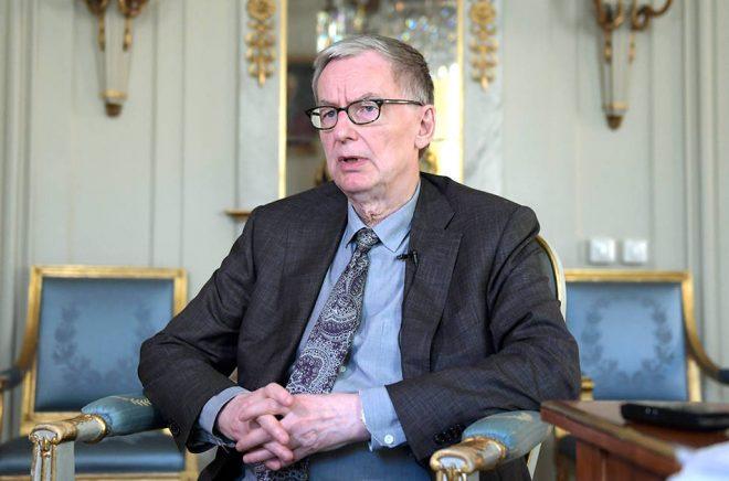 Anders Olsson hoppas att Nobelstiftelsen ska lämna sitt besked efter den 5 mars.