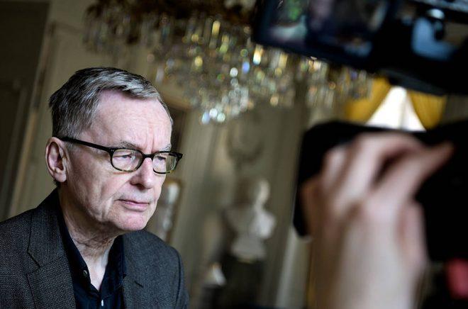 Anders Olsson är medveten om sekretessriskerna – men menar att Akademien får leva med dem.