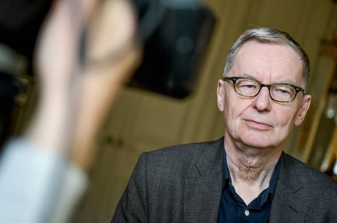 Svenska Akademiens ständige sekreterare Anders Olsson tycker att fastighetsborgarrådets utspel är