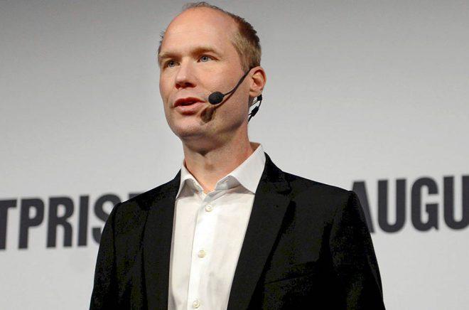 Erik Titusson, förlagschef på Lilla Piratförlaget, välkomnar valet av Bart Moeyaert. Arkivbild: Jessica Gow/TT.