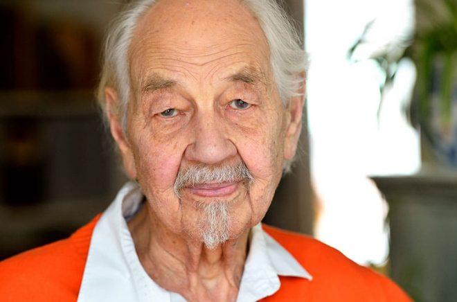 Barnboksförfattaren Lennart Hellsing skulle ha fyllt 100 år den 5 juni. Arkivbild: HENRIK MONTGOMERY / TT.