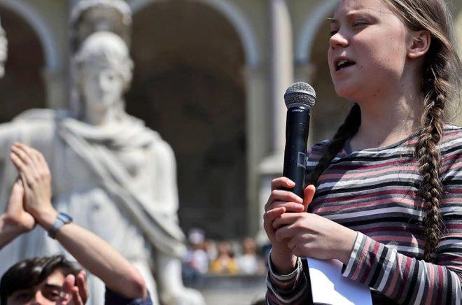 Greta Thunberg talar vid en manifestation i Rom. Arkivbild: Alessandra Tarantino/AP/TT.