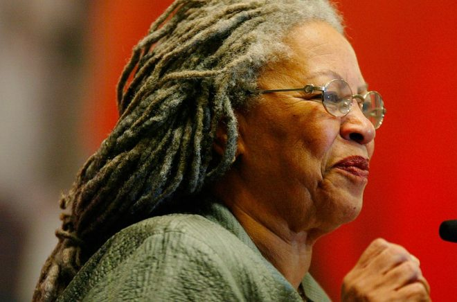 Toni Morrison hyllas världen över efter sin bortgång. Arkivbild: Guillermo Arias/AP/TT.