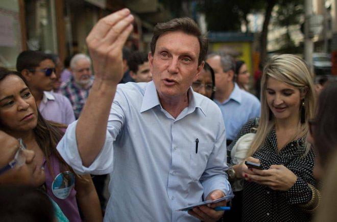 Rio de Janeiros borgmästare Marcelo Crivella ville stoppa en seriebok. Arkivbild: Leo Correa/AP/TT.