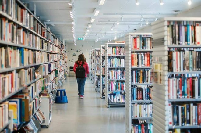 93 procent av dem som arbetar på folkbibliotek uppger att de har upplevt social oro, till exempel bråk eller respektlöst beteende från besökare. Arkivbild: Simon Rehnström/SvD/TT.