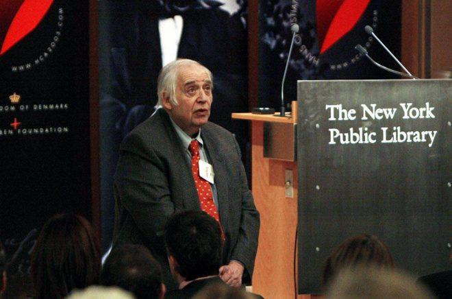Kathy Willens/AP/TT Författaren och litteraturkritikern Harold Bloom blev 89 år gammal. Arkivbild.