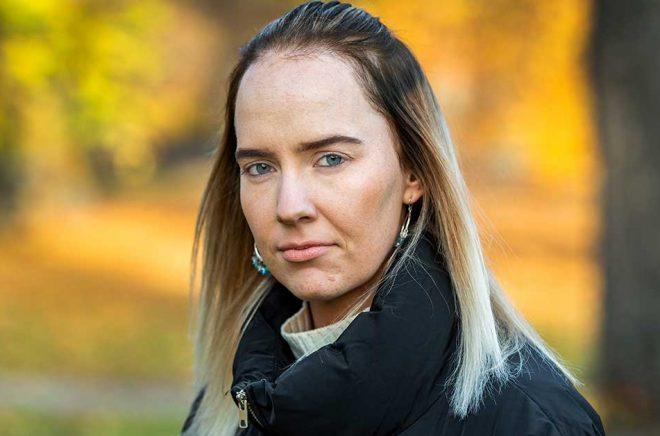 Susanne Skogstad slutade på gymnasiet och blev fabriksarbetare i sju år. Nu går hon sista året på en manusförfattarlinje i Oslo. Foto: Claudio Bresciani/TT.