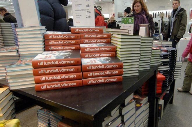 Bokförsäljningen gick bra under julen. Arkivbild: Hasse Holmberg/TT.