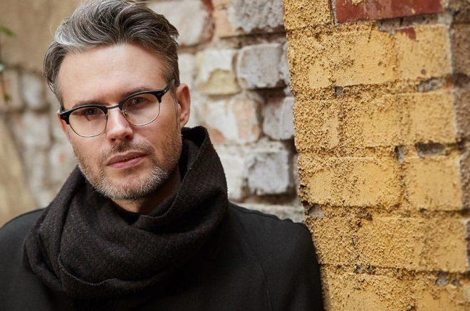 Karl Daniel Törnkvist är aktuell med debuten