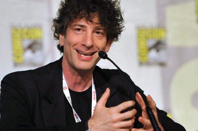 Neil Gaiman hjälpte lokal bokhandel i sina gamla hemtrakter. Arkivbild: Chris Pizzello.