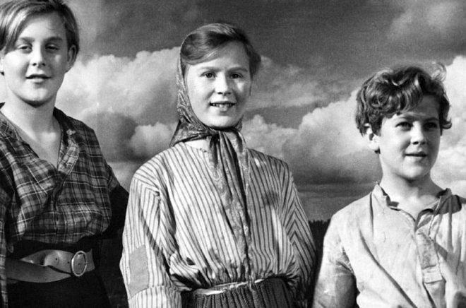 Skådespelarna Hans Lindgren, Siv Hansson och Anders Nyström i filmatiseringen av