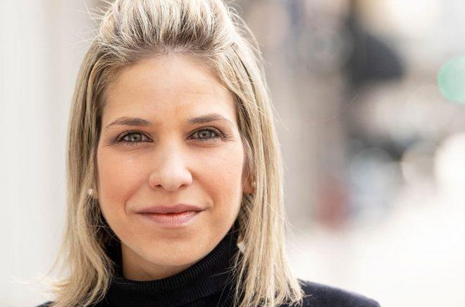 Författaren Karina Sainz Borgo romandebuterar med