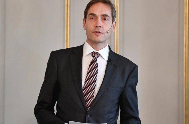 Mats Malm meddelar att Svenska Akademien skapar ett nytt stöd för att stödja i coronatider. Arkivbild: Anders Wiklund/TT.