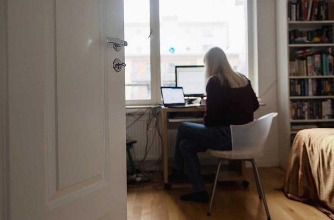 Författare, kulturjournalister och översättare har sökt runt 42 miljoner kronor i ersättning för förlorad inkomst. Arkivbild: Stina Stjernkvist/TT.