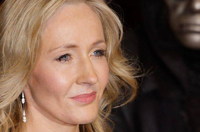 Författaren JK Rowlings exman har uttalat sig i brittiska The Sun. Arkivbild: Joel Ryan/AP/TT.