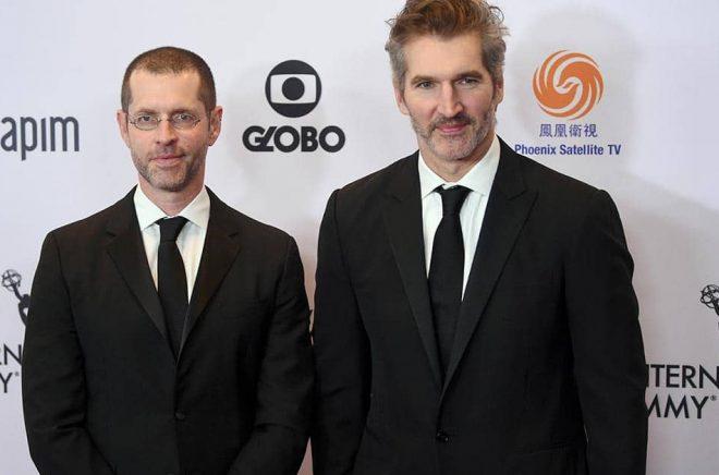 DB Weiss (till vänster) och David Benioff tar sig an den kinesiske science fiction-författaren Liu Cixins populära boktrilogi i en kommande serie för Netflix. Arkivbild: Evan Agostini/AP/TT.