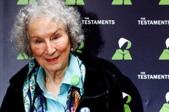 Margaret Atwood får ett litterärt fredspris för sitt författarskap. Arkivbild: Alastair Grant/AP/TT.
