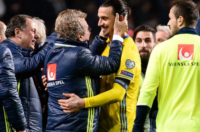 Ny bok av fotbollsjournalisten Olof Lundh skildrar bland annat Zlatan Ibrahimovic och Erik Hamrén.