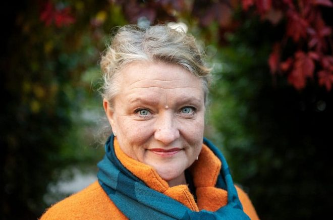 Anna Takanen medverkar i teateruppsättningen av