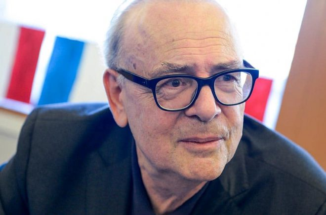Nobelpristagaren Patrick Modiano vill att de franska bokhandlarna ska få hålla öppet under nedstängningen. Arkivbild: Bertil Ericson / TT..