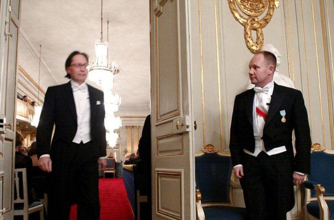 Horace Engdahl och Peter Englund 2002. Arkivbild: Henrik Montgomery/TT.