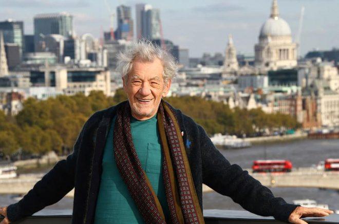 Sir Ian McKellen är en av de brittiska filmstjärnor bakom insamlingen för att köpa JRR Tolkiens hem i Oxford. Arkivbild: Joel C Ryan/AP/TT.