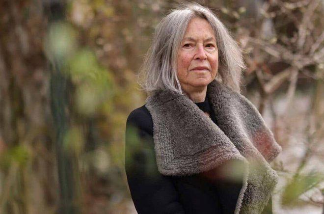 Louise Glück gillar deckare, särskilt Henning Mankells. Foto: Daniel Ebersole/AP/TT